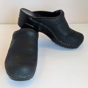 Dansko Leather Black Slip On Clogs Women 36 6